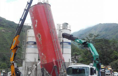 alquiler-grua-hidraulica-construccion-movilizacion-carga